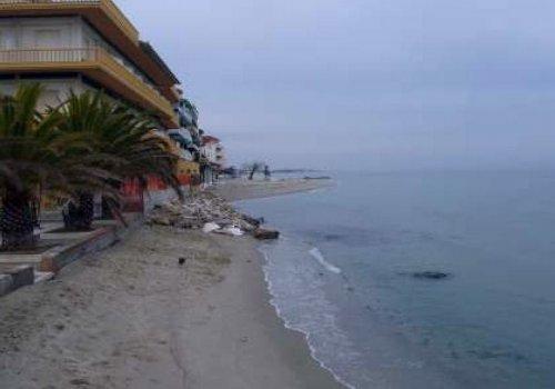 Υπεγράφη η σύμβαση του έργου αντιμετώπισης της διάβρωσης των ακτών στην Παραλία